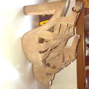Pour la Victoire suede platform sandal 7.5 Glenna